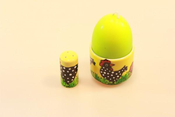 Eierbecher bemalt mit schwarzen Hühnern, gelber Hintergrund