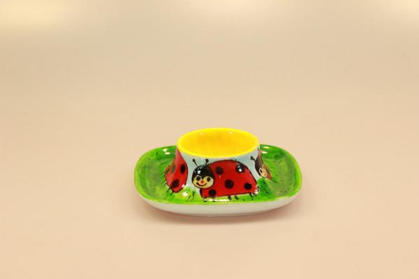 Eierbecher aus bemaltem Porzellan, quadratisch, Motiv Marienkäfer